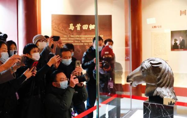 """""""圆明园马首铜像划拨入藏仪式""""在圆明园正觉寺举行"""