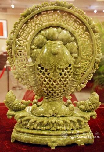 中国收藏网---新闻中心--广州传统工艺美术精品展在图片